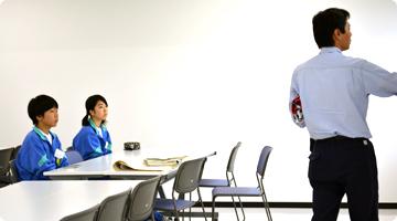 埴生中学校 職場体験学習の様子