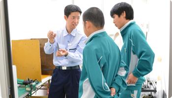 篠ノ井東中学校 非破壊試験部の様子